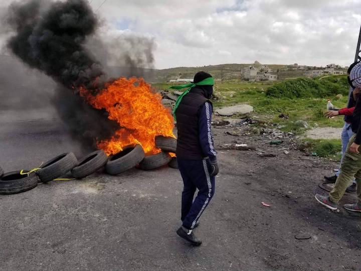 إصابات بالمطاط وحرق خيام المستوطنين في مواجهات جمعة الغضب الـ14