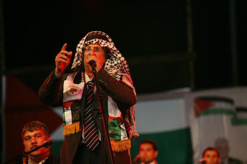 الموت يغيب شاعر الثورة أبو عرب