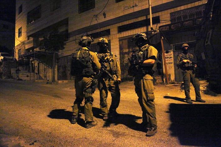 إسرائيل تعتقل 40 من
