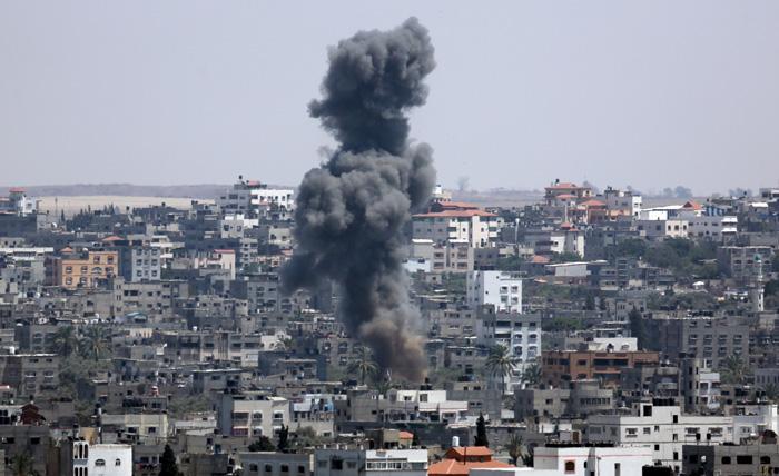 3 شهداء بينهم طفلة وأكثر من 20 إصابة في غارة إسرائيلية على مدينة غزة