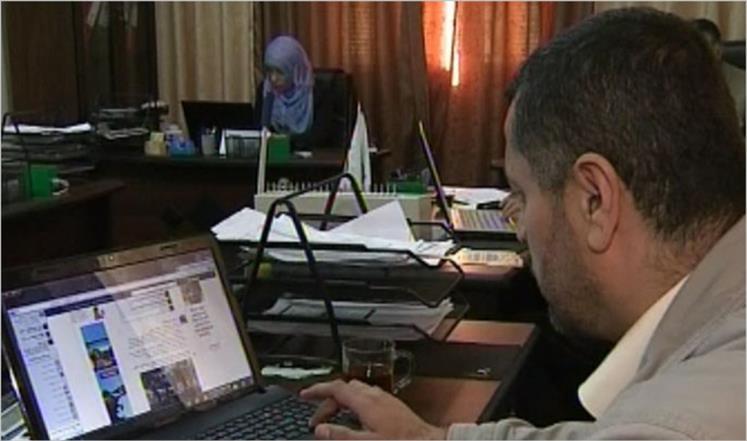 العمل عبر الإنترنت لمحاربة البطالة في غزة