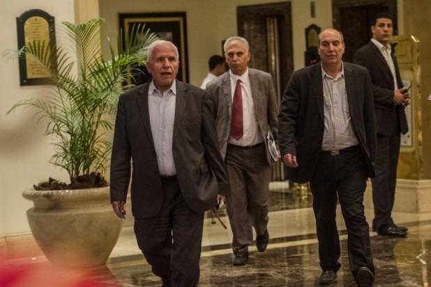 أعضاء من الوفد الفلسطيني المفاوض يغادرون القاهرة بعد انهيار الهدنة