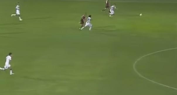فيديو: هدف خبيث للاعب إي سي ميلان ضد بارما