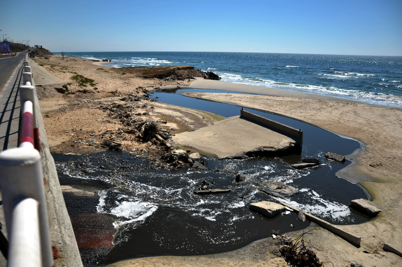 تلوث 50% من بحر غزة