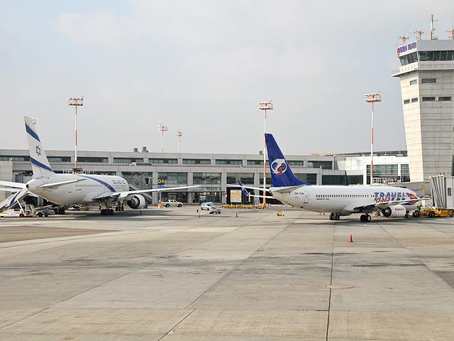 32 شركة طيران دولية علقت رحلاتها إلي مطار