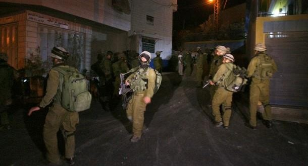 الاحتلال يعتقل خمسة