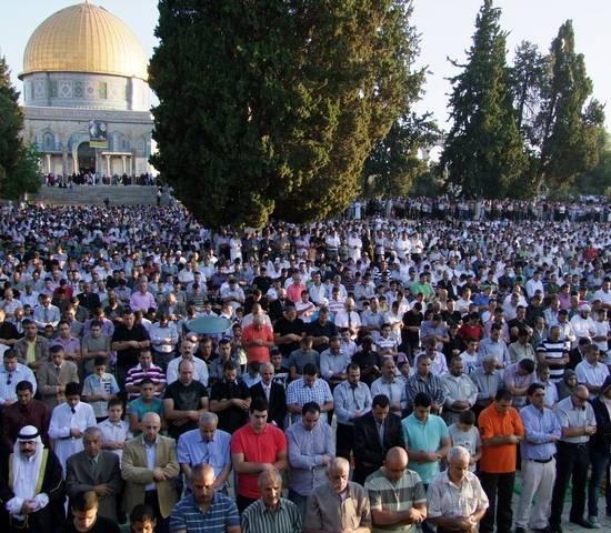 ربع مليون مصل يؤدون صلاة العيد بالأقصى