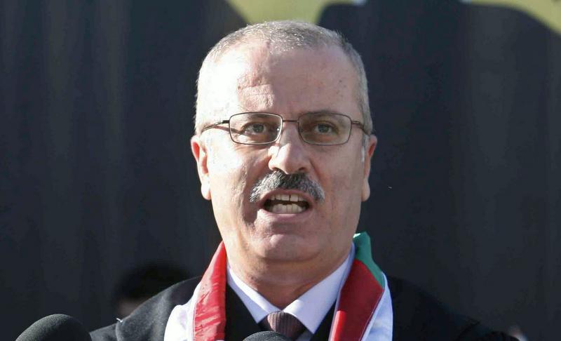 وزراء حكومة الوفاق يتفقدون آثار العدوان الإسرائيلي على غزة