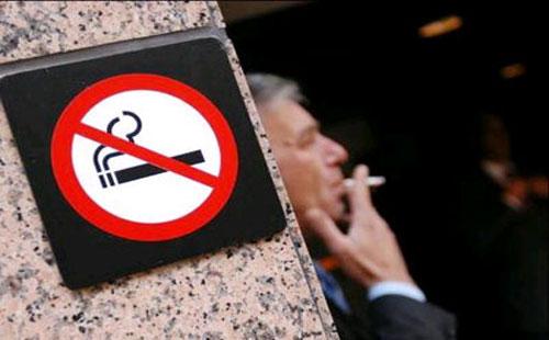 200 دولار غرامة التدخين في الأماكن العامة بجنوب السودان