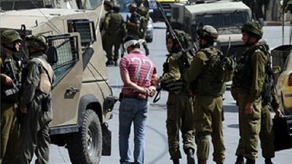 إسرائيل تعتقل 7 مواطنين من الضفة الغربية بينهم قياديان بحماس