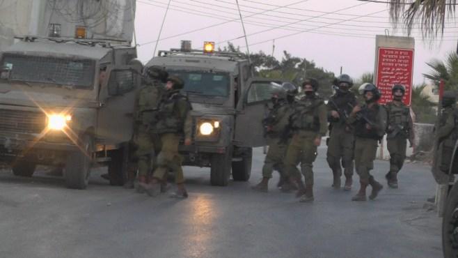 الاحتلال يعتقل 18 مواطنا من بيت امر