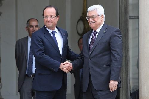 الرئيس عباس يدين هجمات باريس الارهابية