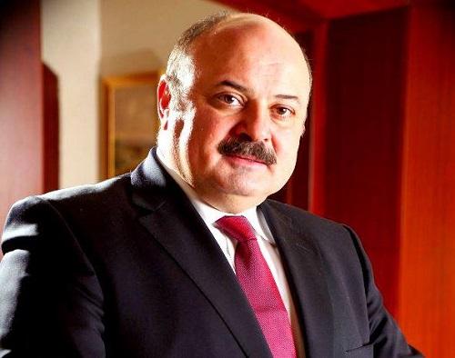 عزام الشوا يؤدي اليمين القانوني كرئيس لسلطة النقد