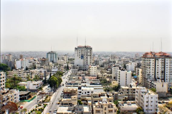 في غزة..متجر إلكتروني