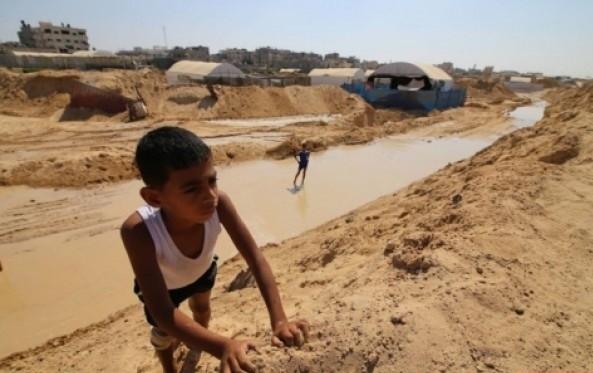 ضخ مصر مياه داخل الأنفاق