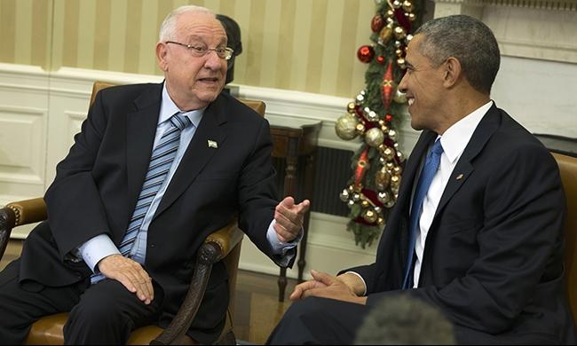 أوباما لريفلين: من الصعب الدفاع عن