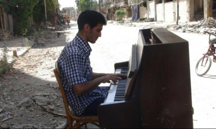 فلسطيني من اليرموك يفوز بجائزة بيتهوفن الدولية