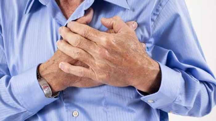 قم بهذه الحركات في دقيقة وانت في منزلك لتكشف اصابتك بأمراض القلب