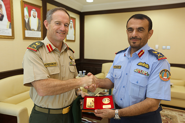 الأجانب يسيطرون على المناصب العسكرية الإماراتية والمرتزقة يقودون حروبها