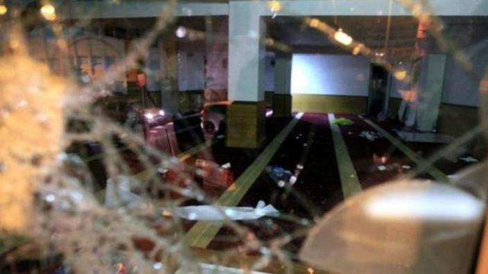 فرنسا: 300 شخص هاجموا مسجدا واحرقوا المصاحف