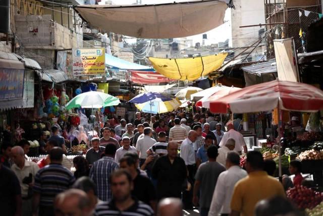 في العدد 54: الاقتصاد الفلسطيني ما بين اقتصاد الدولة ..الطوارئ...واقتصاد الصمود!