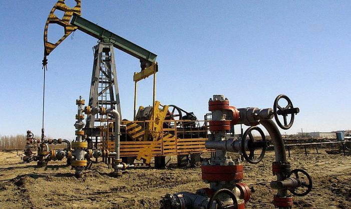 النفط يتراجع بعد تهاوي الأسهم الأميركية