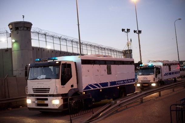تحذير من تأثير المنخفض الجوي المرتقب على الأسرى في كافة السجون