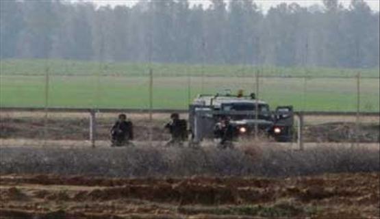 الاحتلال يطلق النار على مزارعي وصيادي غزة