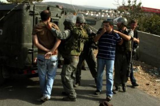 الاحتلال يعتقل سبعة