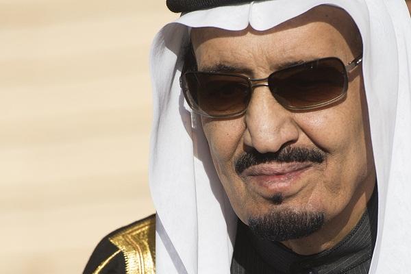 العاهل السعودي يأمر