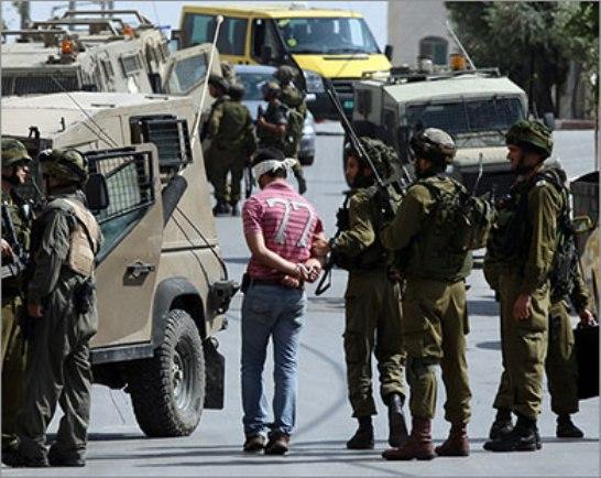 الاحتلال يعتقل شابين