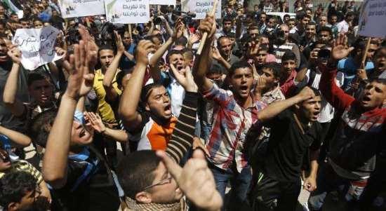البنك الدولي: نسبة البطالة في قطاع غزة هي الاعلى في العالم واقتصاده على حافة الانهيار