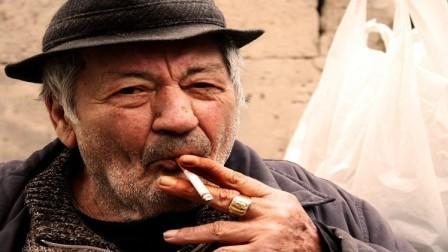 ترك التدخين مضر للذين