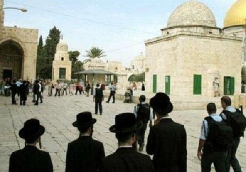 الاحتلال يغلق المسجد