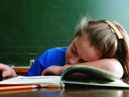 الشخير ومشاكل التنفس بالنوم تشير إلى ضعف في الدراسة