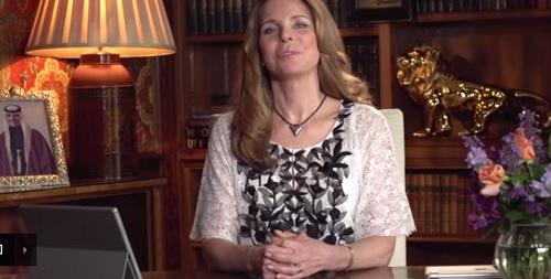 بالفيديو: الملكة نور تشارك نجوم