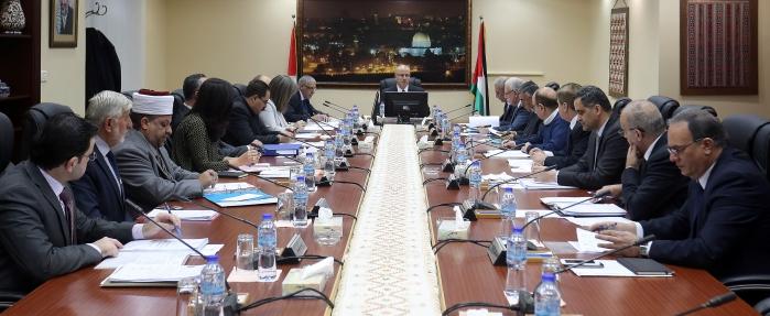 خاص  الحكومة الفلسطينية ستقسم الضفة وغزة إلى أربعة أقاليم