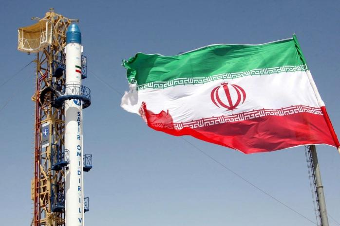 إيران تعترف بامتلاكها صواريخ تفوق قدرتها على تخزينها