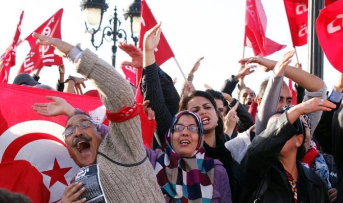 «انتفاضة العاطلين».. هل تشهد تونس ثورة ثانية؟