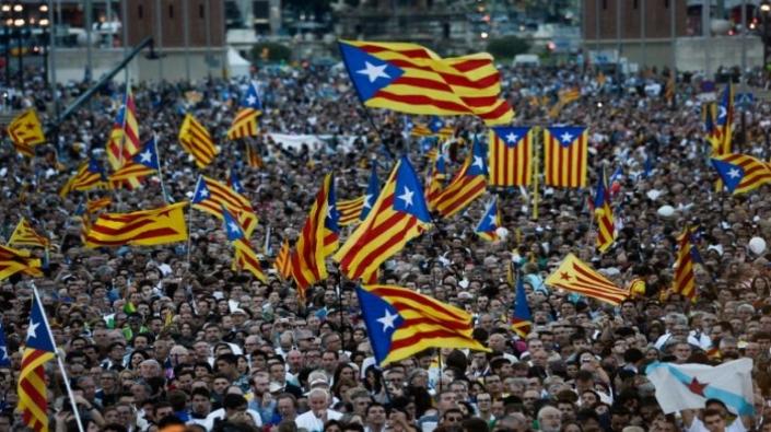 اتفاق بين الأحزاب الكتالونية على تشكيل حكومة إقليمية داعمة للانفصال