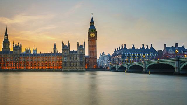 بريطانيا تجمد دعم مالي للسلطة بقيمة 25 مليون جنيه استرليني