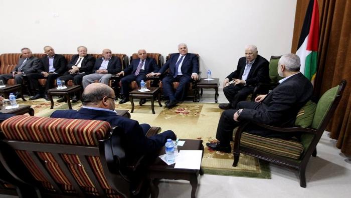 مرسوم رئاسي بإعادة تشكيل لجنة الانتخابات المركزية و د. حنا ناصر يلتقي هنية