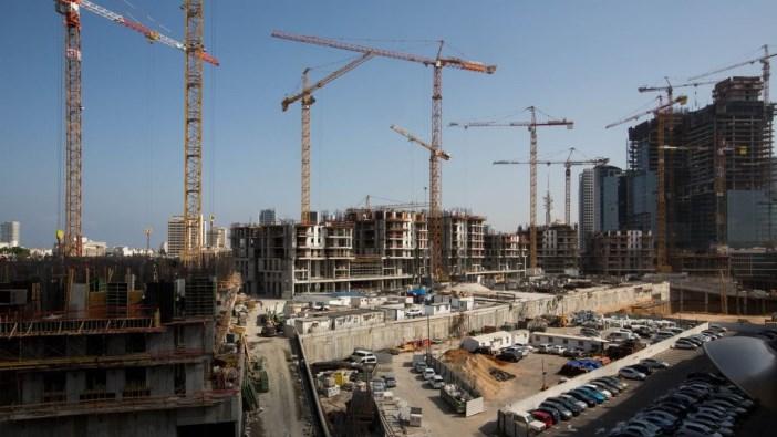 خاص| وزير المالية الإسرائيلي يجتمع بكبرى شركات المقاولات الفلسطينية
