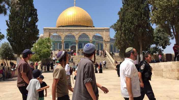 في عيد الفصح اليهودي: