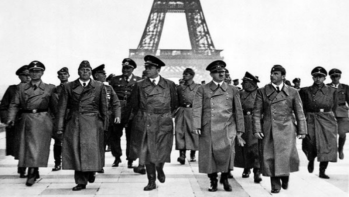 أحفاد قادة هتلر يلجأون