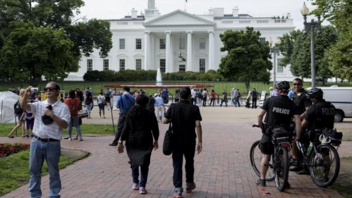 إغلاق البيت الأبيض لدواع أمنية