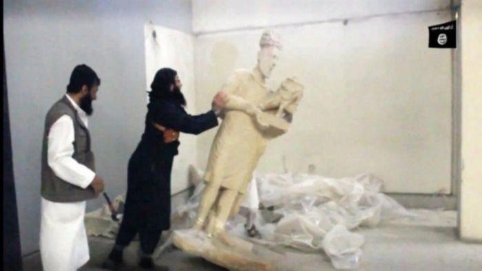 آثار سورية نهبها