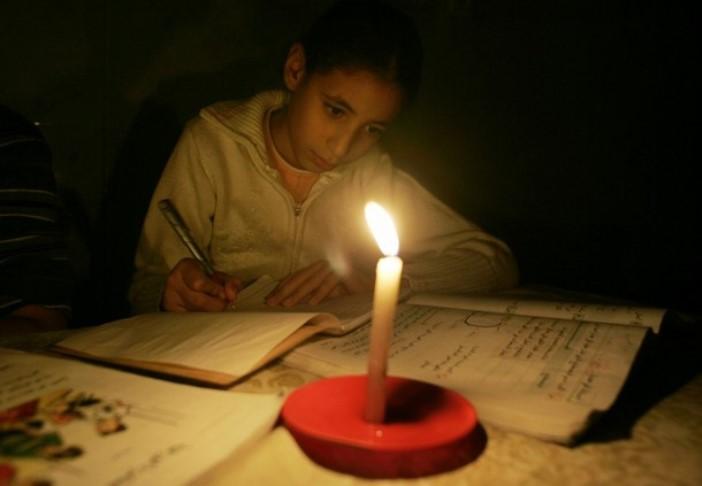 حماس تحمل الرئيس مسؤولية  أزمة الكهرباء بغزة