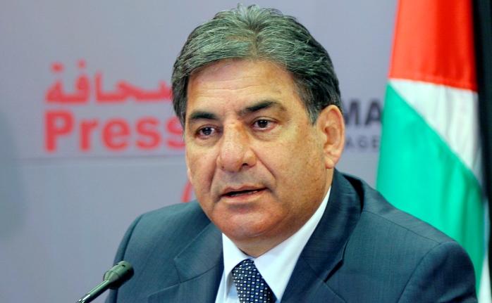 في رسالته للرئيس عباس.. نبيل عمرو يطلق مبادرة سياسية للخروج من المأزق الراهن