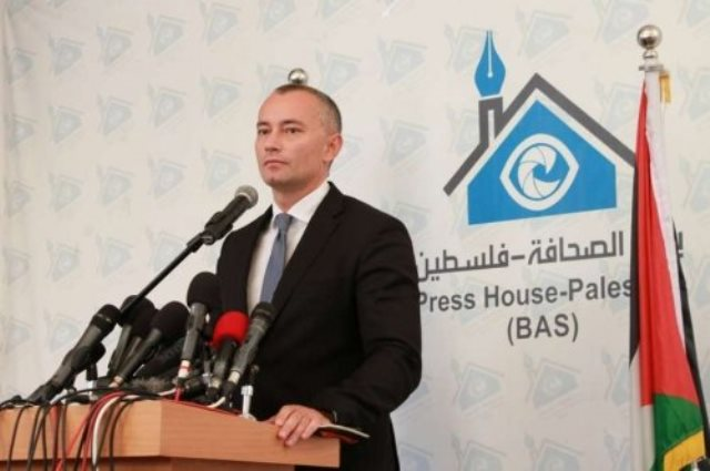 ملادينوف يرحب بإعلان حماس حل اللجنة الإدارية بغزة